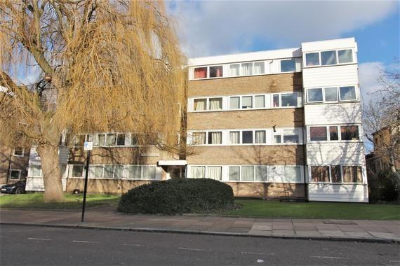 Deanswood, Maidstone Road, London N11 2TQ